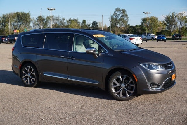 Certified 2017 Chrysler Pacifica Limited with VIN 2C4RC1GG7HR762668 for sale in New Prague, Minnesota