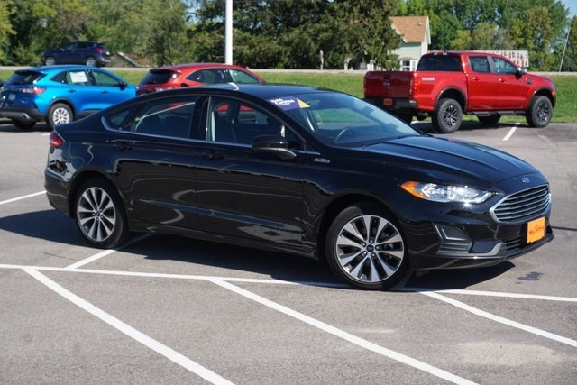 Certified 2020 Ford Fusion SE with VIN 3FA6P0T90LR110332 for sale in New Prague, Minnesota